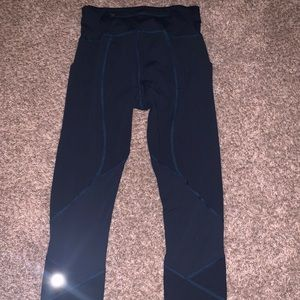 Fast and Free High Rise Crop 23'' Navy leggings